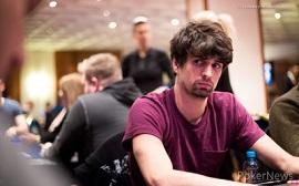 Sergi, jugando en Praga [Foto: PokerNews]