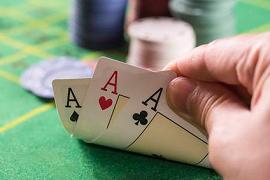 Un trío de ases hispanos en PokerStars