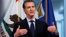El gobernador de California recula