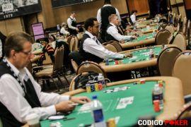 Los crupis, aún en prácticas (Codigo Poker)