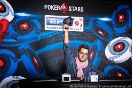 Juan haciendo el triunfito (Foto: Pokerstars)