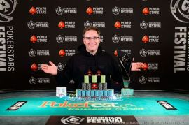 Grafton, vencedor en Bucarest (Foto: Pokernews)