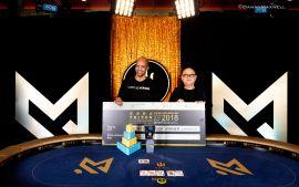 Ivey, de la mano de Yong (Foto: Pokernews)