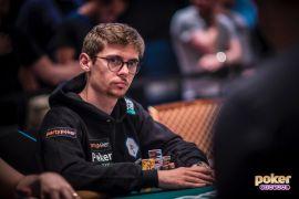 Holz, con los colores de NLG (Poker Central)