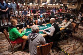 Grinders lusos de cash, las mesas desde la barrera