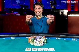 Gaurav Raina, con su brazalete [Foto: WSOP-PNews]