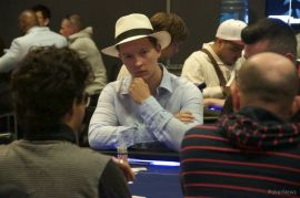 Pedro Leja, manejando millones (Foto: Pokernews)