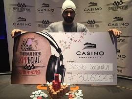 Sergio, con el cheque del SPP