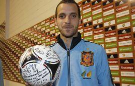 Balón firmado para Mentula (Foto: Marca)