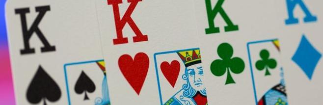¿Barajas de 4 colores para el poker en vivo?